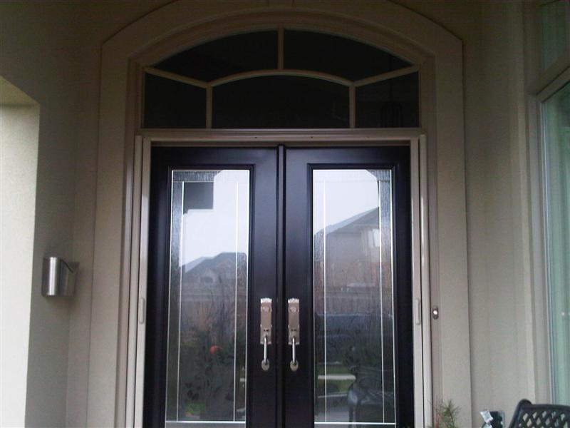 Double door system with Retractable screens