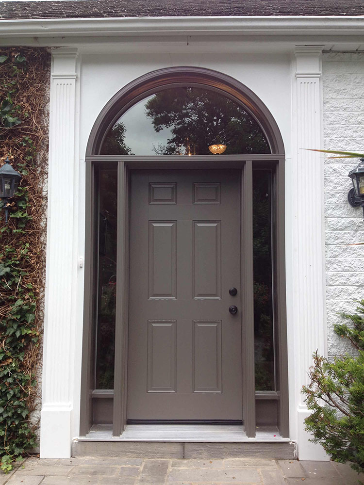 door & pilasters-min