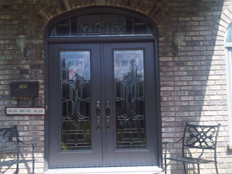 double door with decorative segment